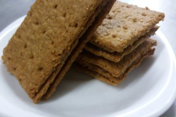 Pineapple filled Wheat Crackers